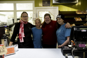 Fra venstre: Hege Ness Larsen, Zarine Arvola, Marina Fredin,  og Theres Hustad.